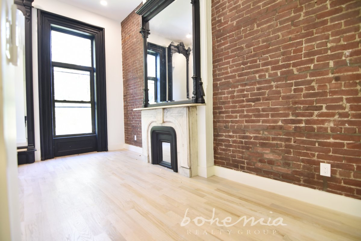 Gut Reno'd Brownstone Dream pad!