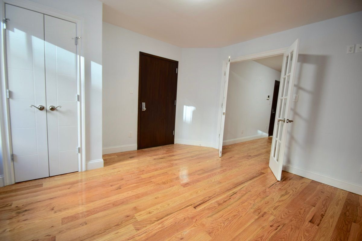 NoFee 3BR/ 2Bath w/W/D Private Outdoor!