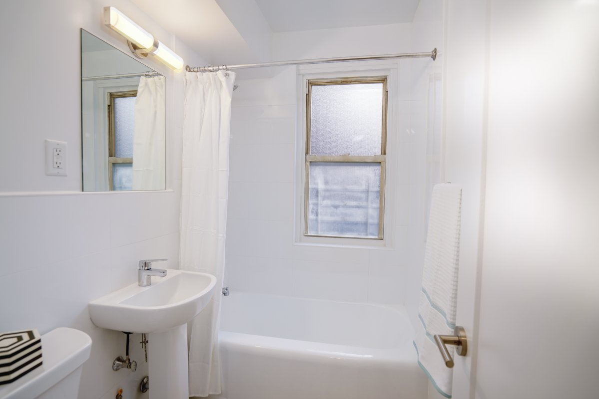 Spacious NoFee 1BR w/Utilities Included!