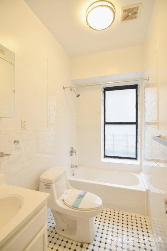 2 bedroom in Hudson Heights