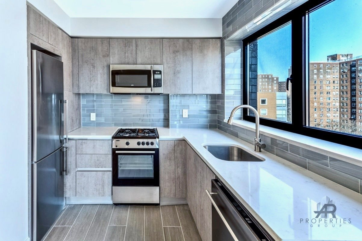 Lux 1BR