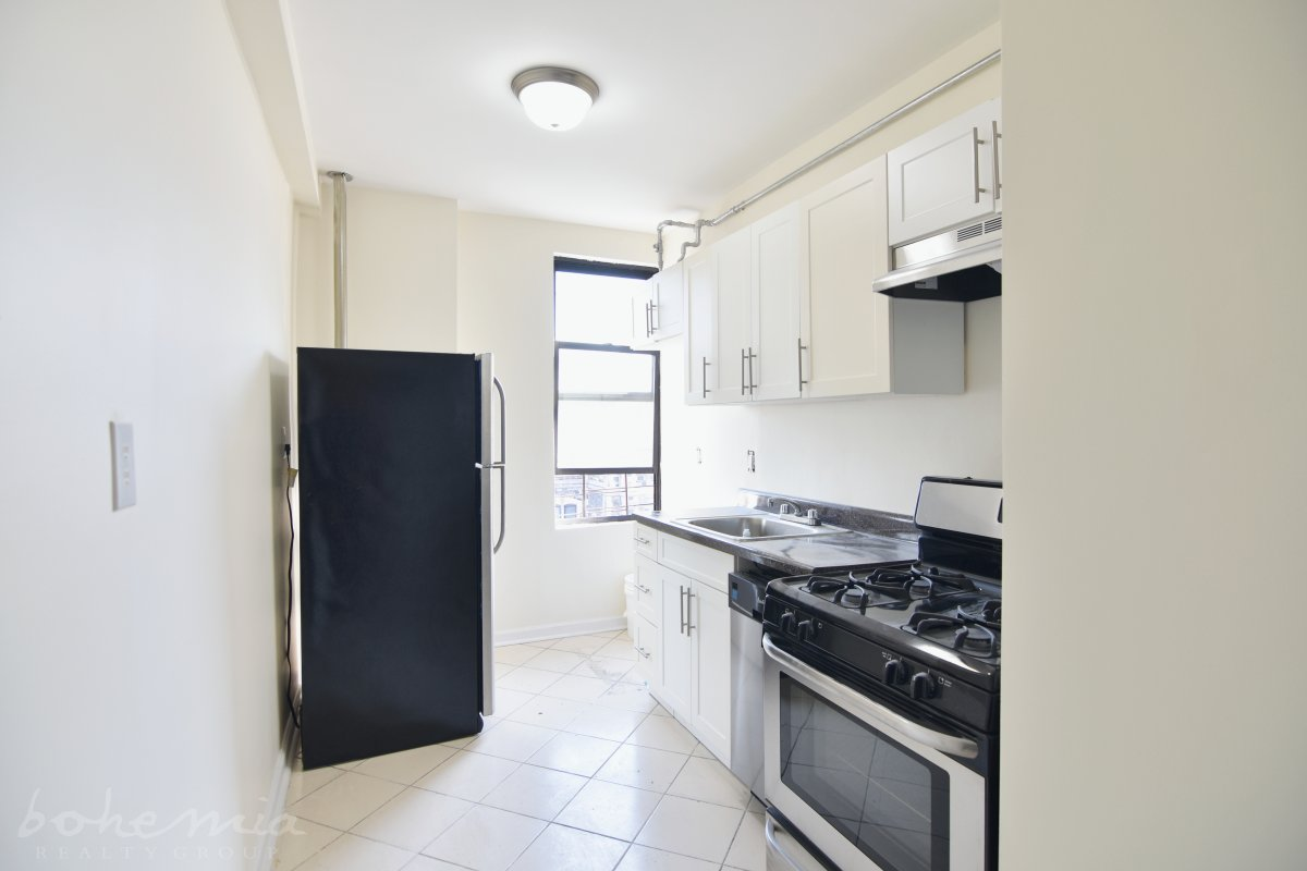 Hamilton Heights 2 Bed Palace!