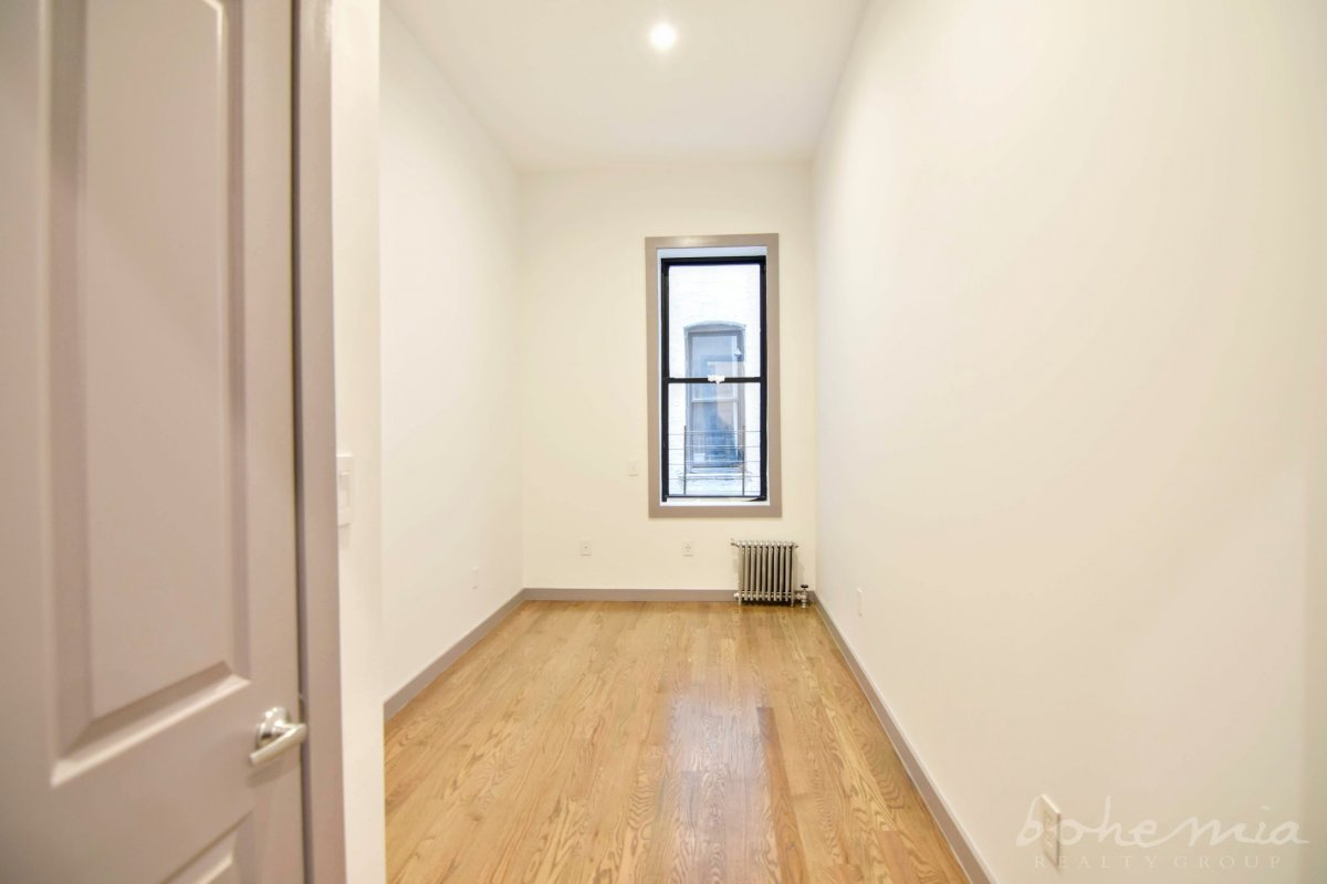 NO FEE - Laundry in Unit 4BR STUNNER