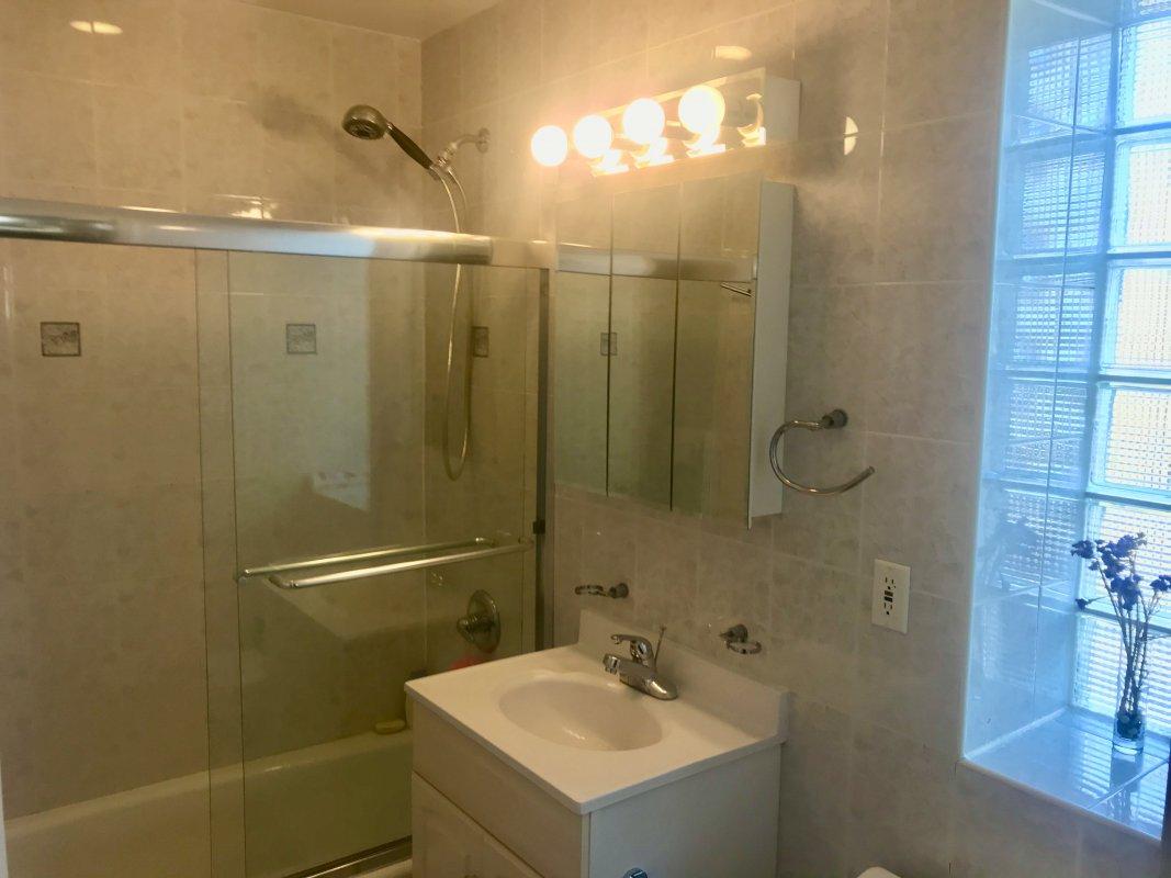 Turn-Key Furnished Bright Condo w 2 Bath