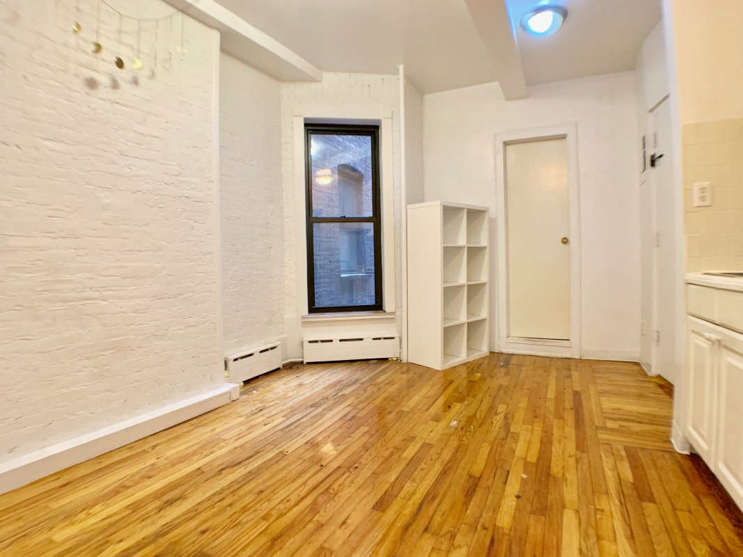 Gorgeous UES NO FEE 1 Bed!