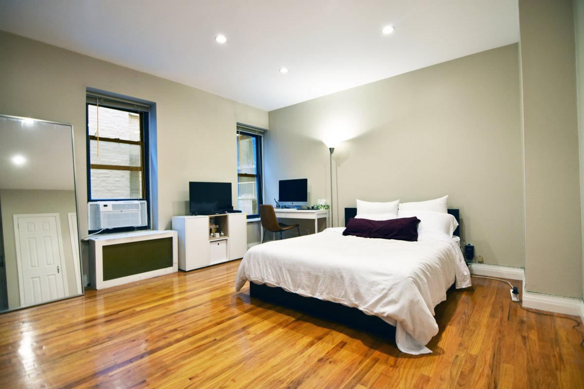 Stunning Upper East Side Studio!