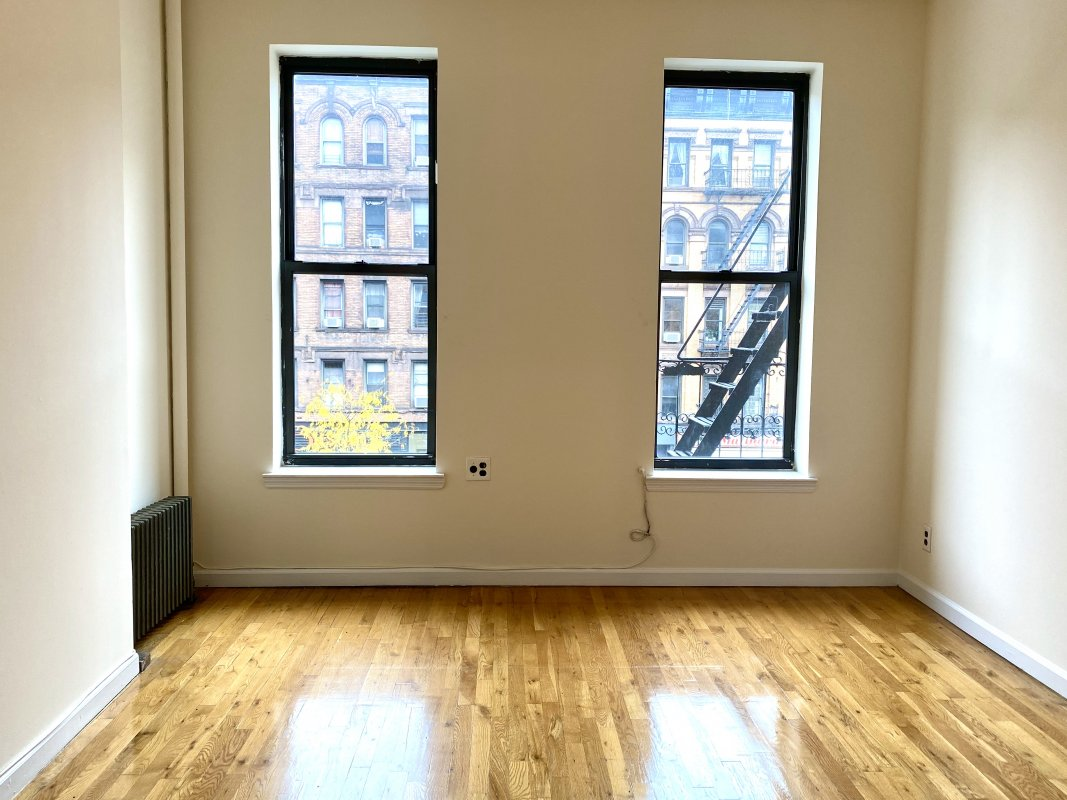 Spacious UWS 1 Bed