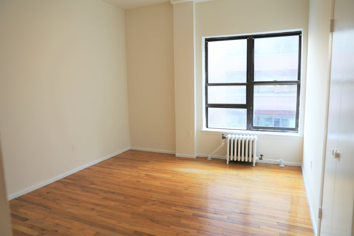 Large One Bedroom!!