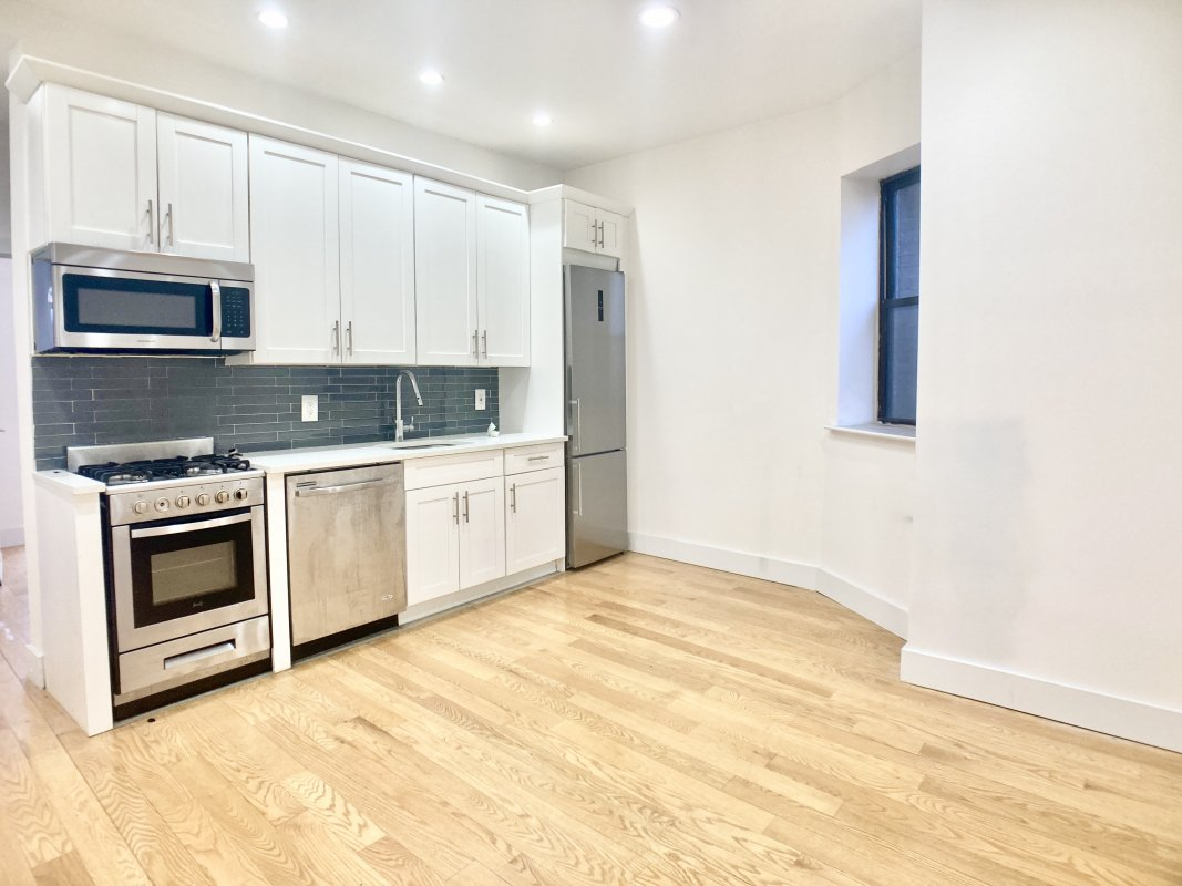 NEWLY RENOVATED 3Bed/1 Bath