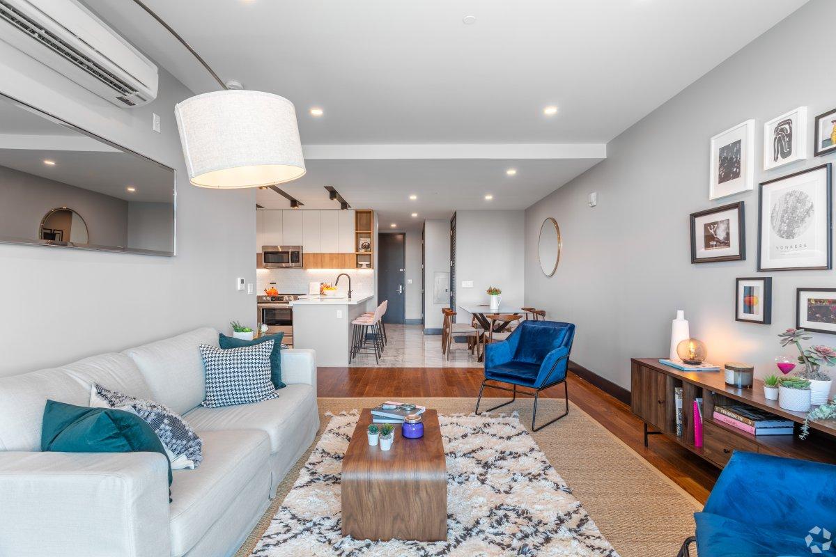 Luxury 2 Bedroom Rental in Yonkers!