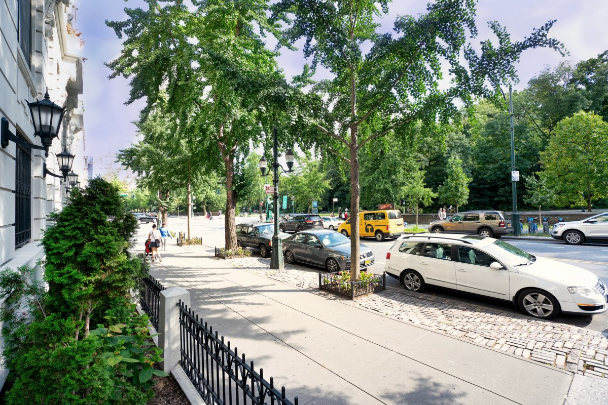 201 Central Park North