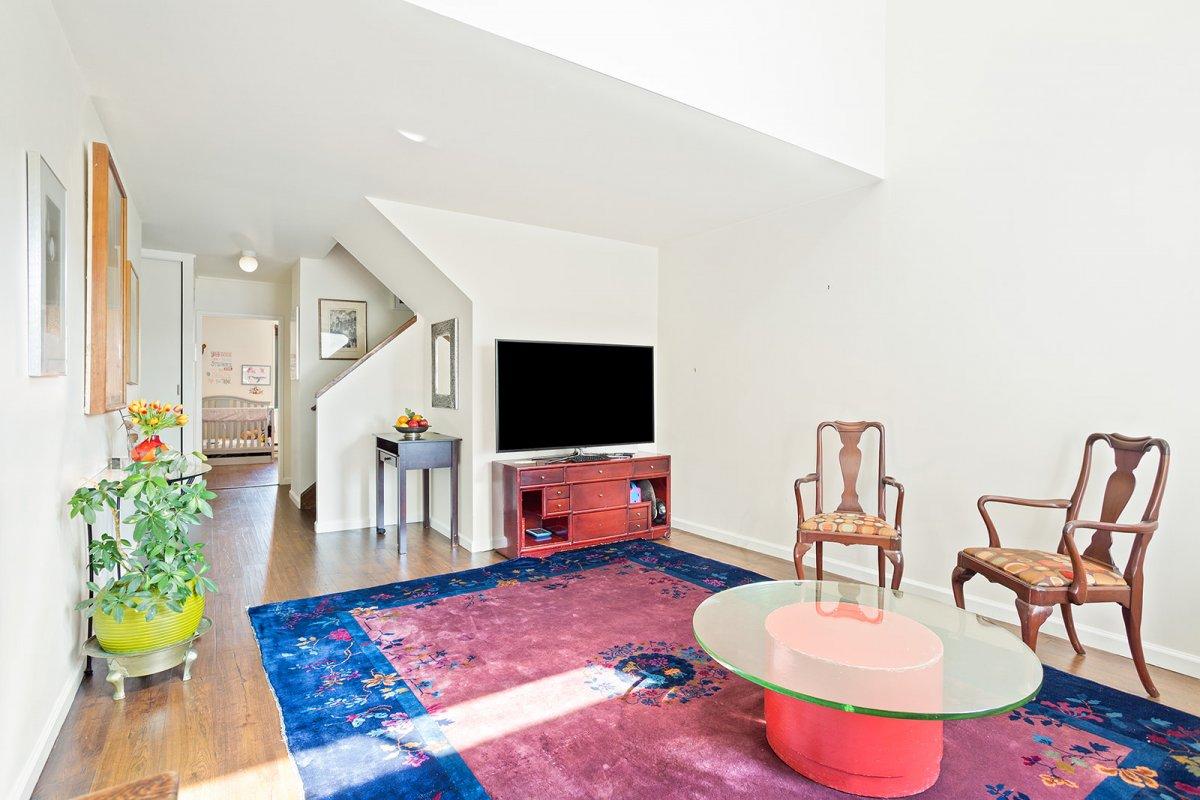 Sun-filled, Lofted 3BR/1.5BA Duplex in Iconic West Village