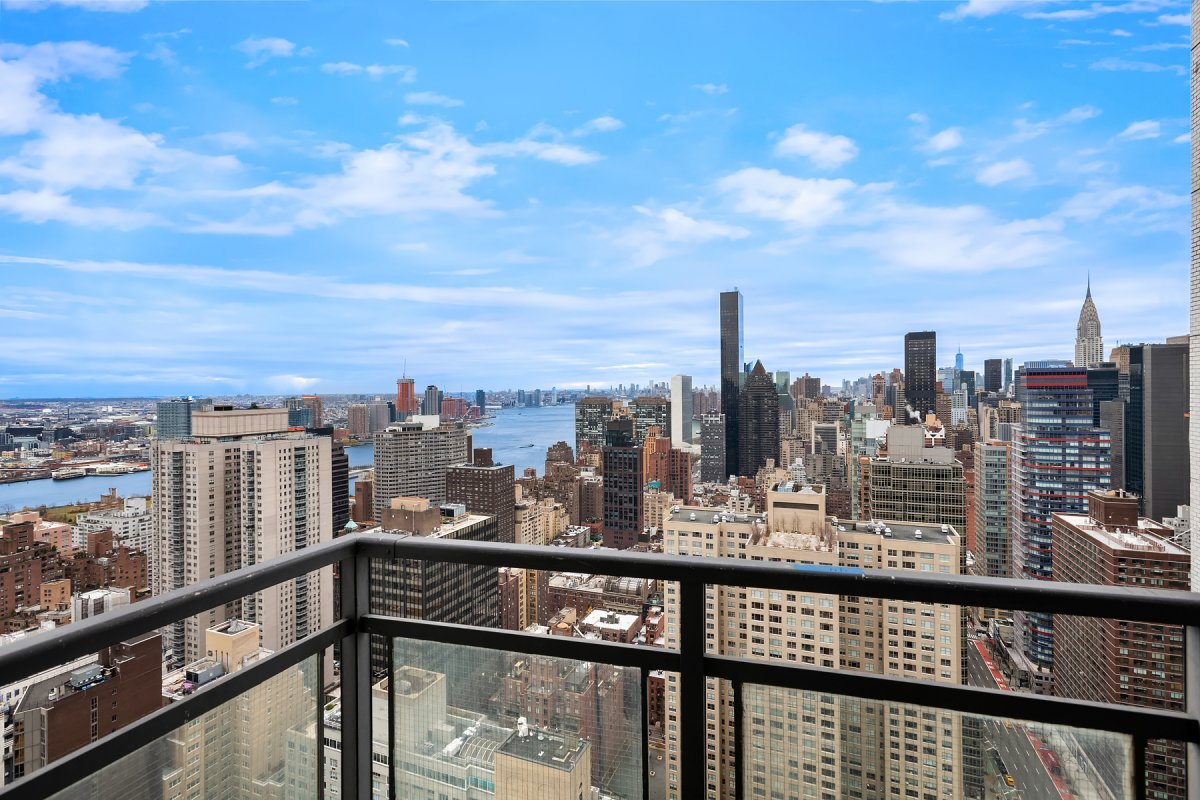 303 East 57th, 44G