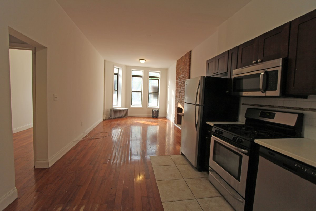 Awesome 1BR with open concept layout!