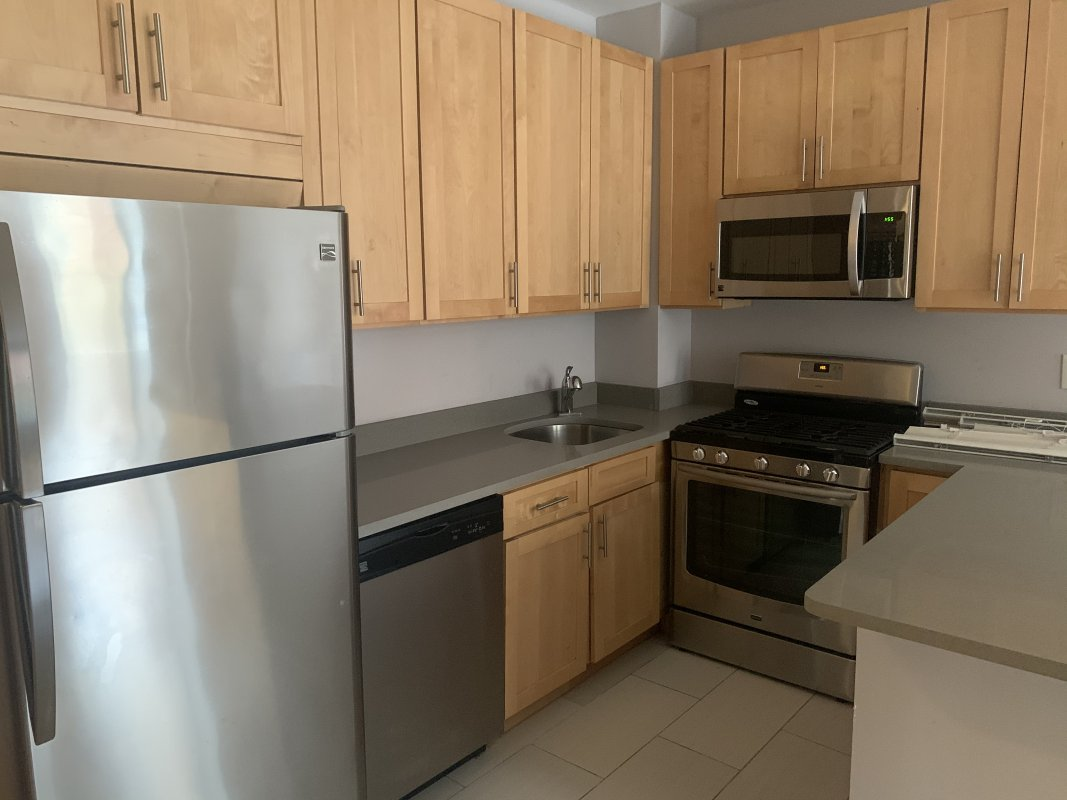 Super spacious Hamilton Hts 3bed!