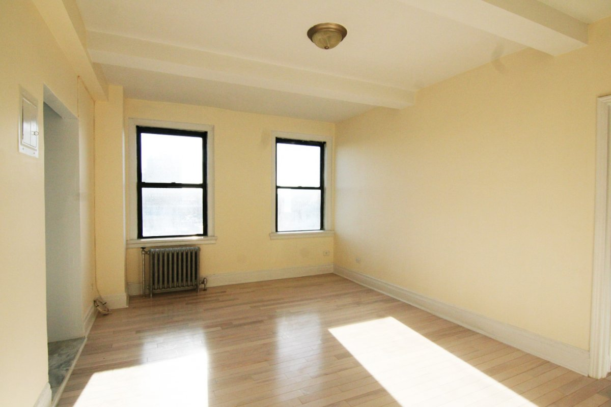 Stylish 1 Bedroom Near NY Presbyterian!