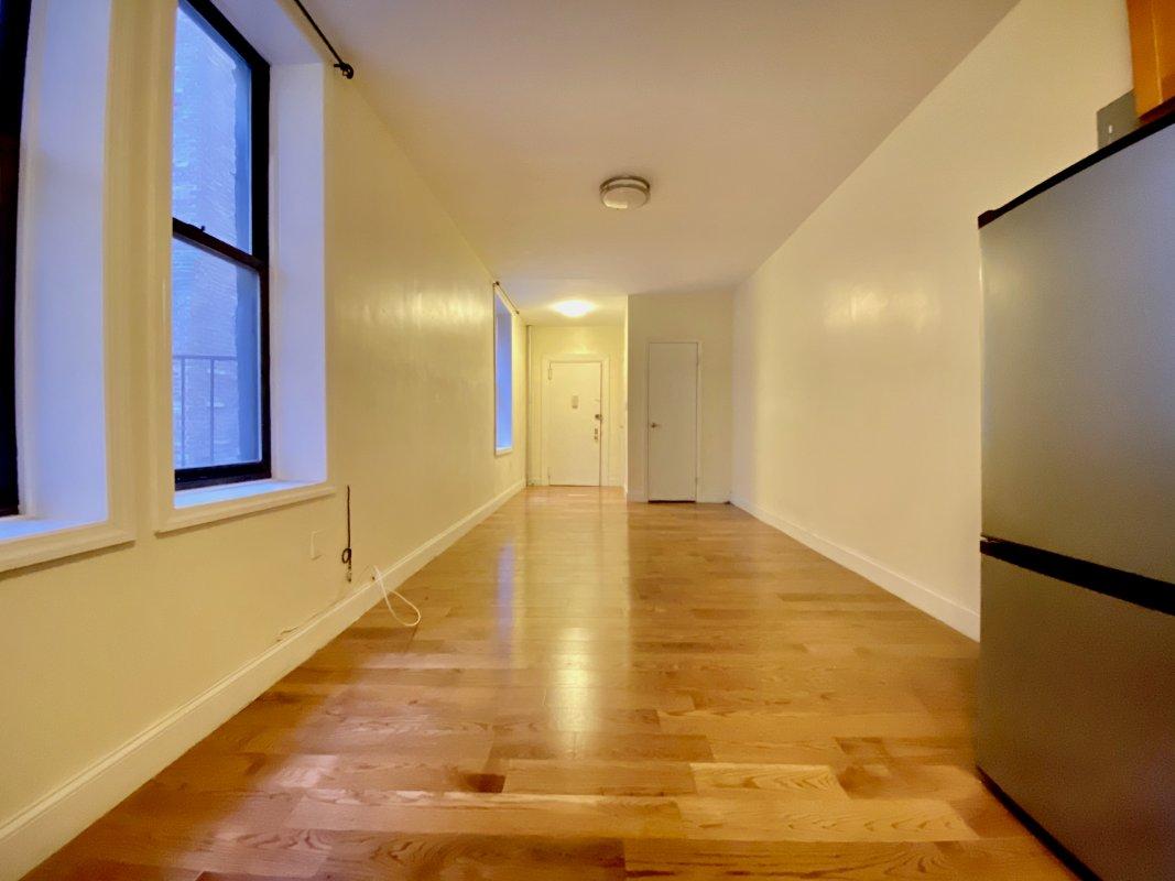 Lovely studio in Hudson Heights