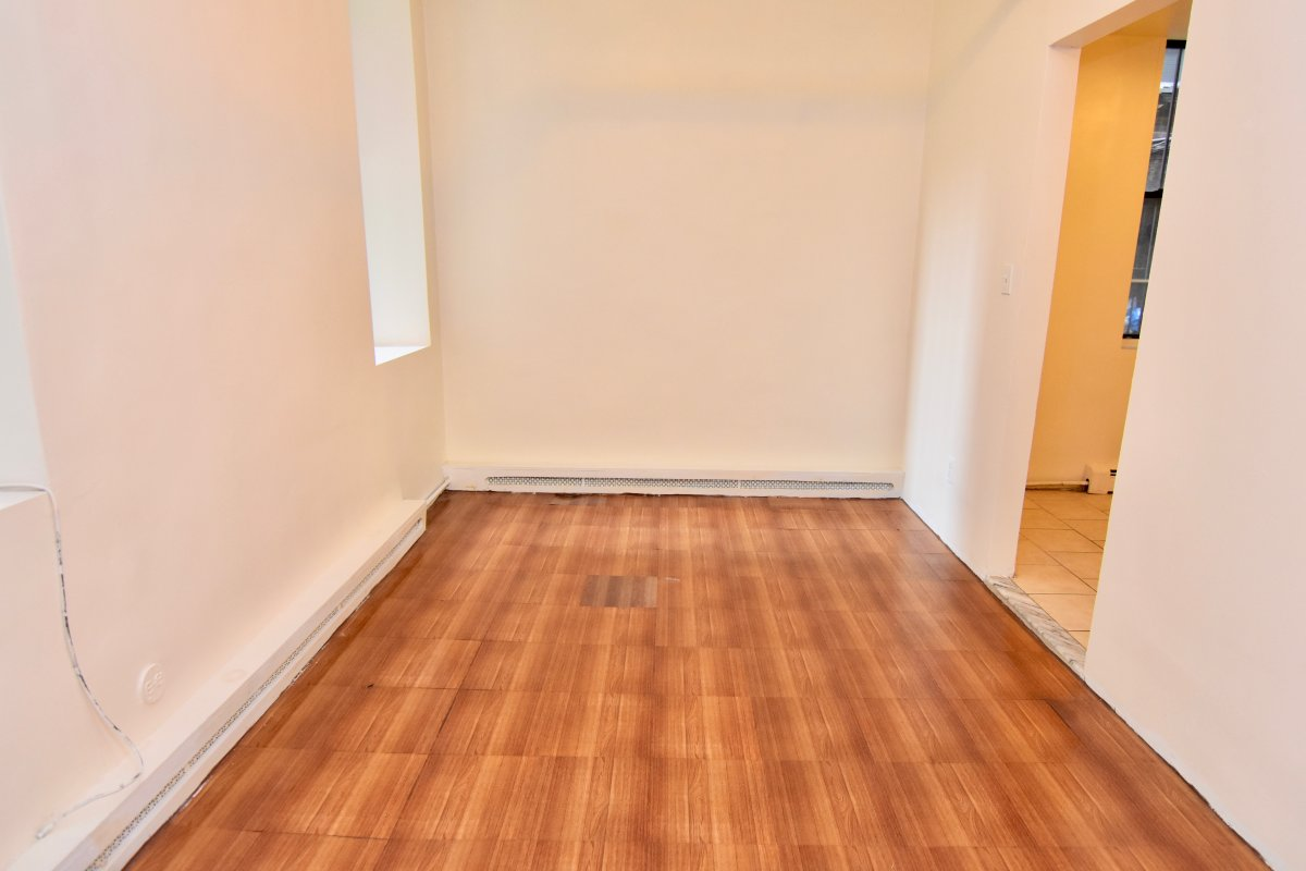2BR FOR $1795 NO FEE!