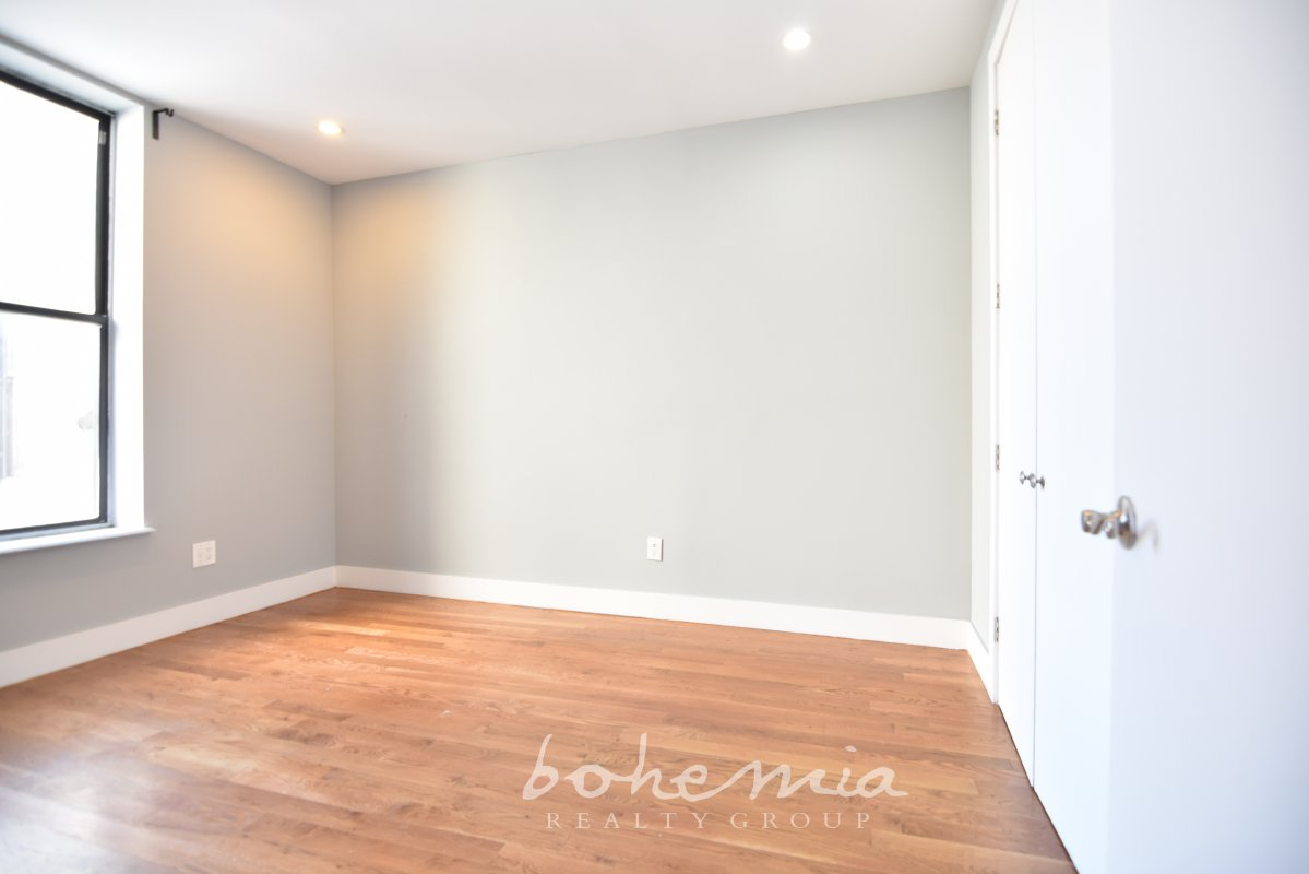 Sun-Drenched 3BR w/ IN-UNIT W/D!