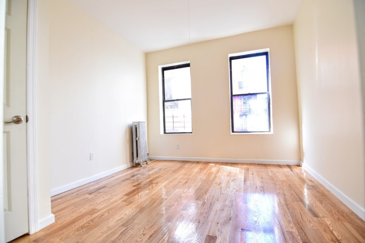 Super Heights 2BR Value~NO FEE!!!