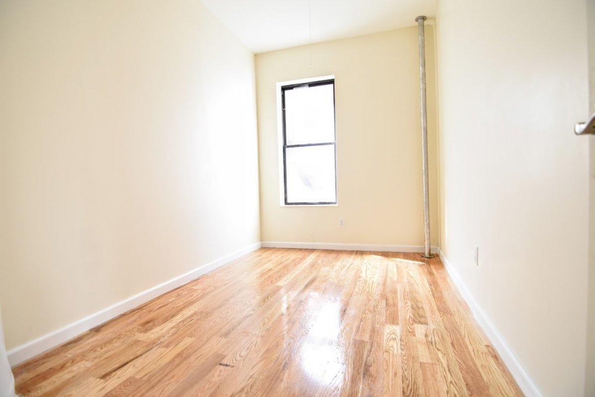 Huge Washington Heights NO FEE 2 Bed!